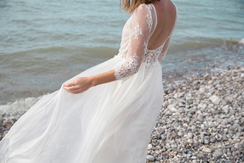 Fluid wedding dress