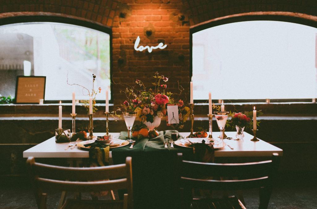 Photo: Jessica Grenon Fleurs: Ten.dem florale Location/stylisme: Le coeur bohème