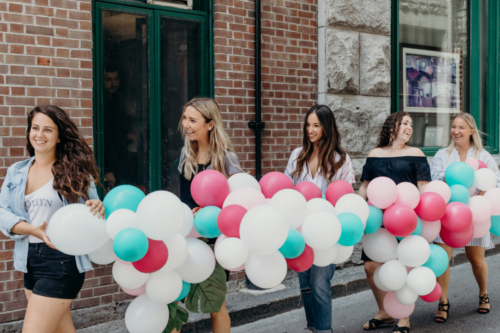 Shooting EVJF Vieux Montreal ballons